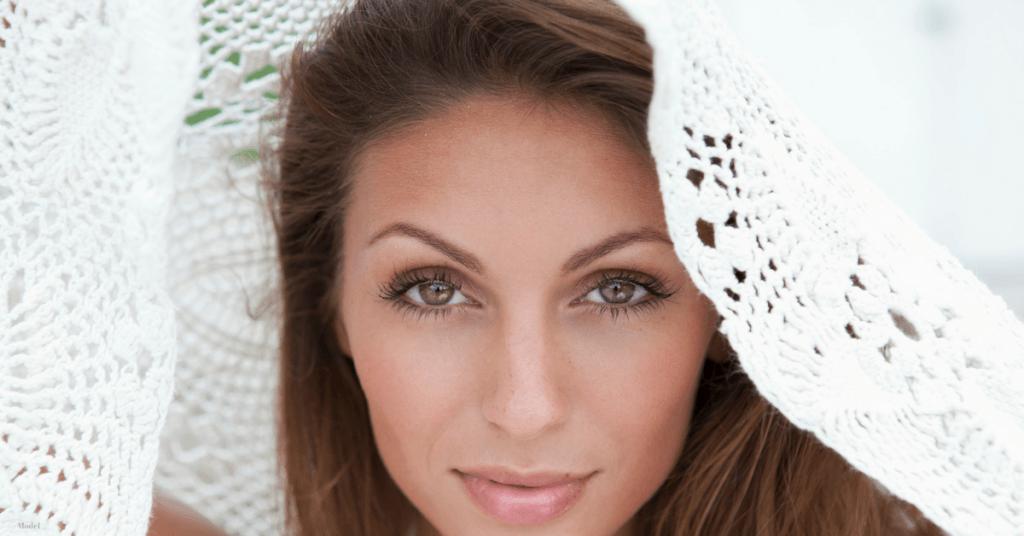 women eyelid surgery in scottsdale